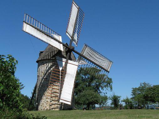 Moulin à vent de SEYRIGNAC-46100 LUNAN