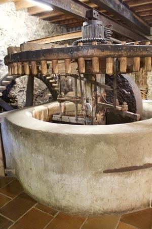 Moulin à huile d'olive traditionnel de Tourtour
